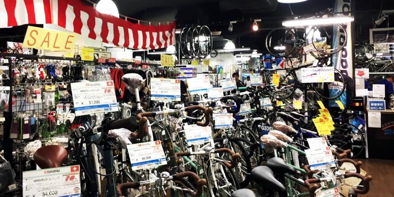 自転車屋さん内部IMG_0853